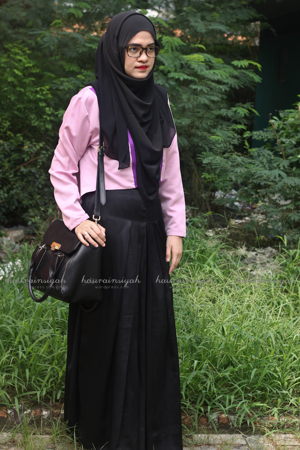 black-shawl-d When Pink Meets Black