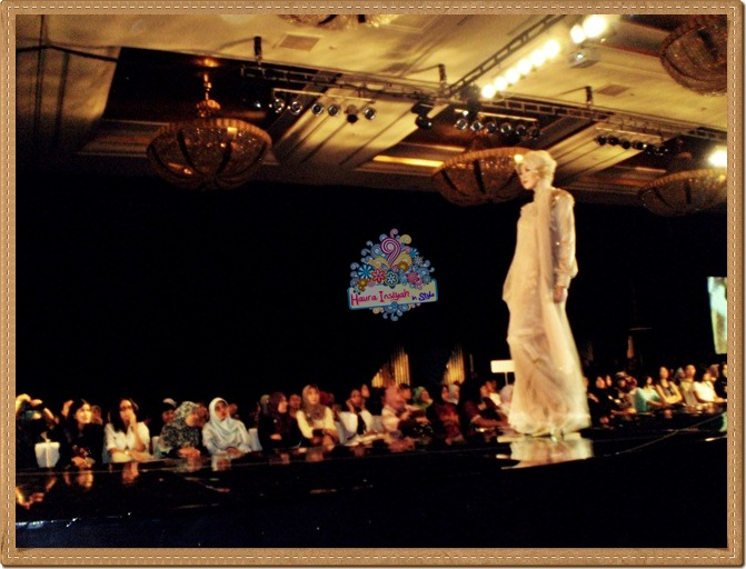 8qp8140168 Event: Fashion Tendance 2011- Intertwine