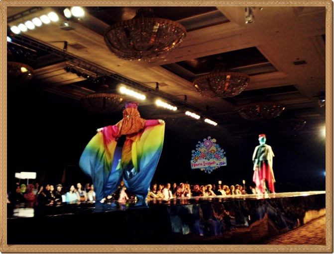 8qp8140228 Event: Fashion Tendance 2011- Intertwine