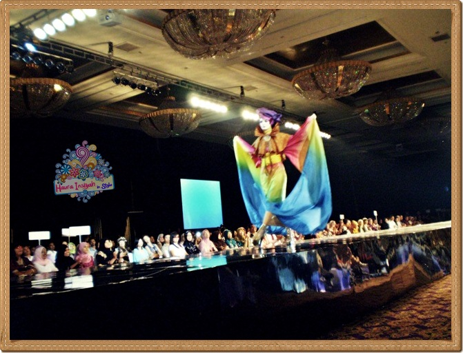 8qp8140231 Event: Fashion Tendance 2011- Intertwine