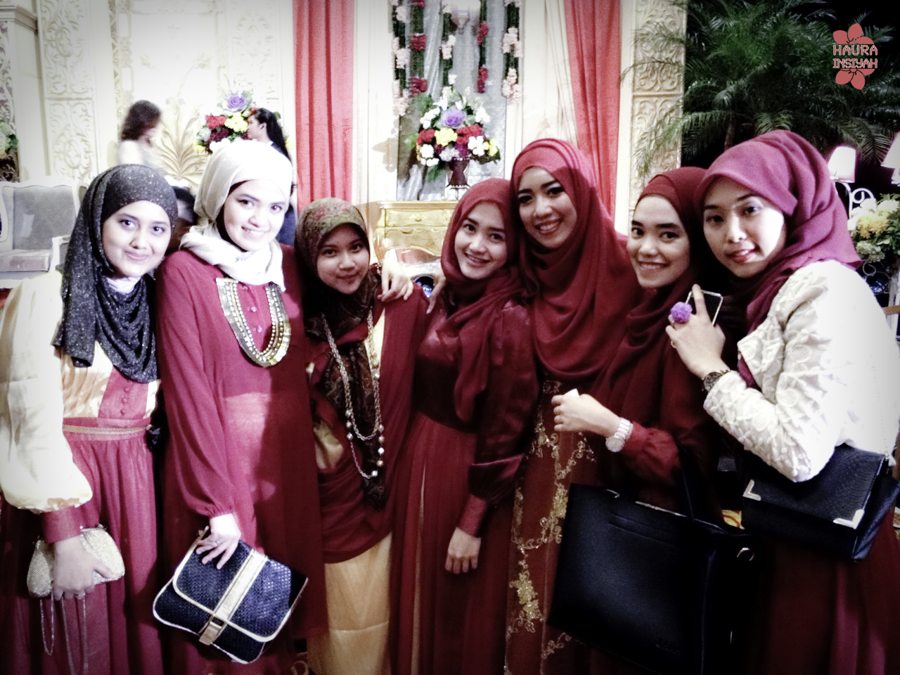 rimma-wedd-5 Maroon vs Gold