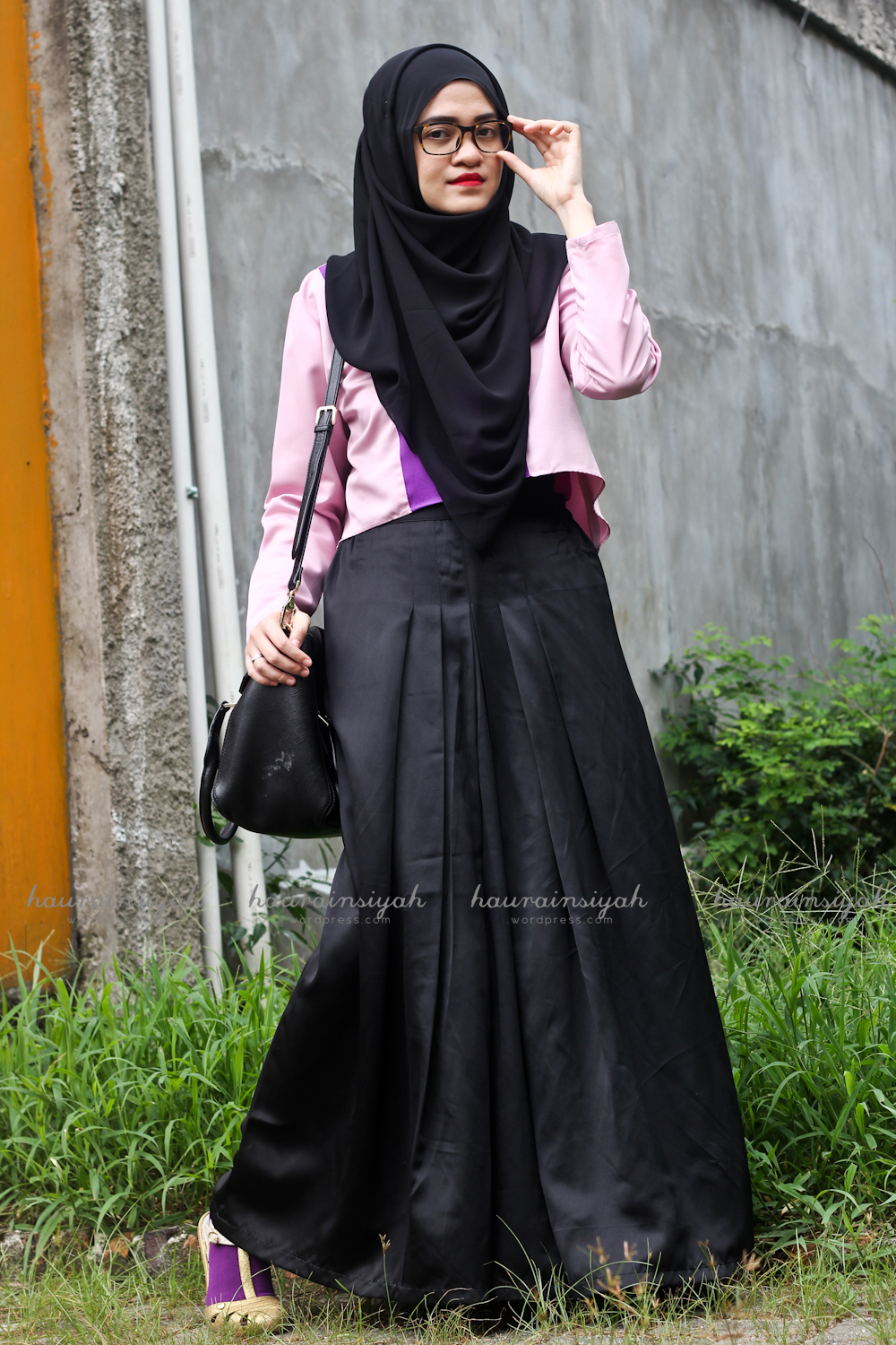 black-shawl-c When Pink Meets Black