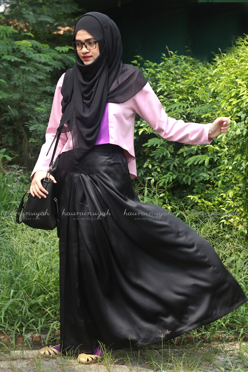 black-shawl-f When Pink Meets Black