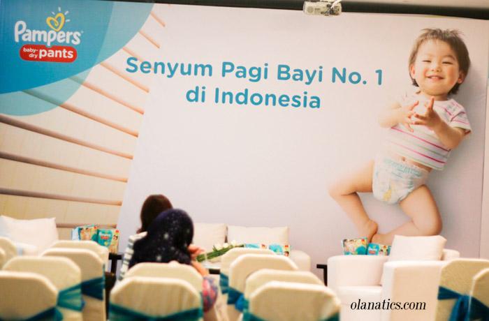 a-pampers-38 Senyum Pagi Bayi no. 1 di Indonesia
