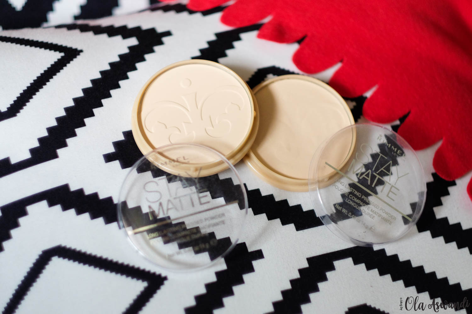 Rimmel-Lightroom-20 Review: Rimmel Stay Matte Pressed Powder