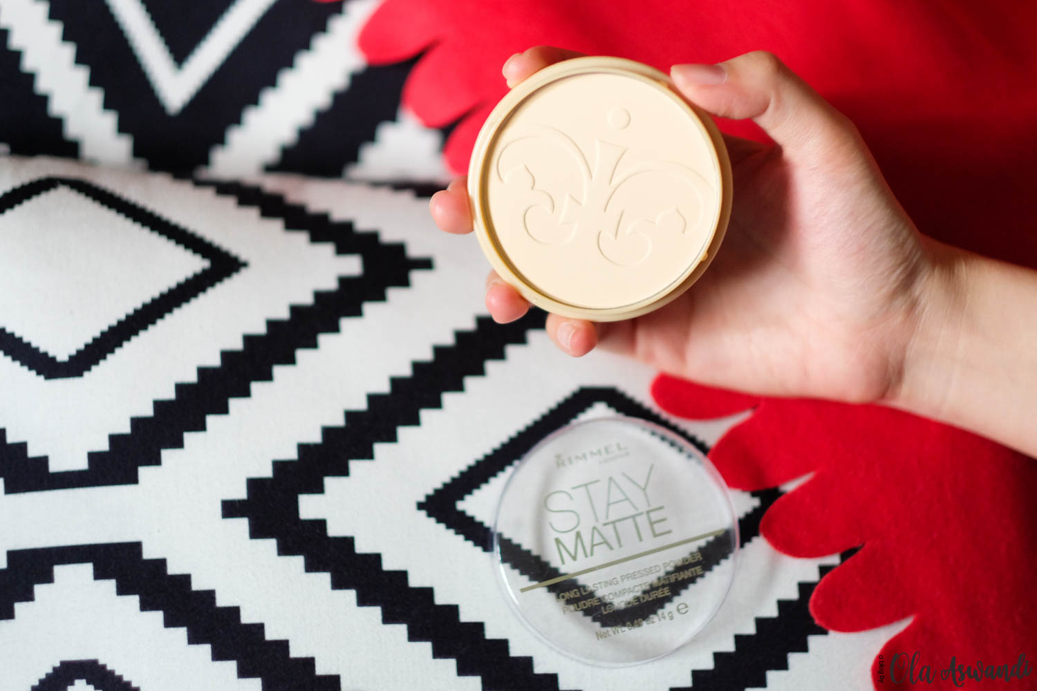 Rimmel-Lightroom-25 Review: Rimmel Stay Matte Pressed Powder