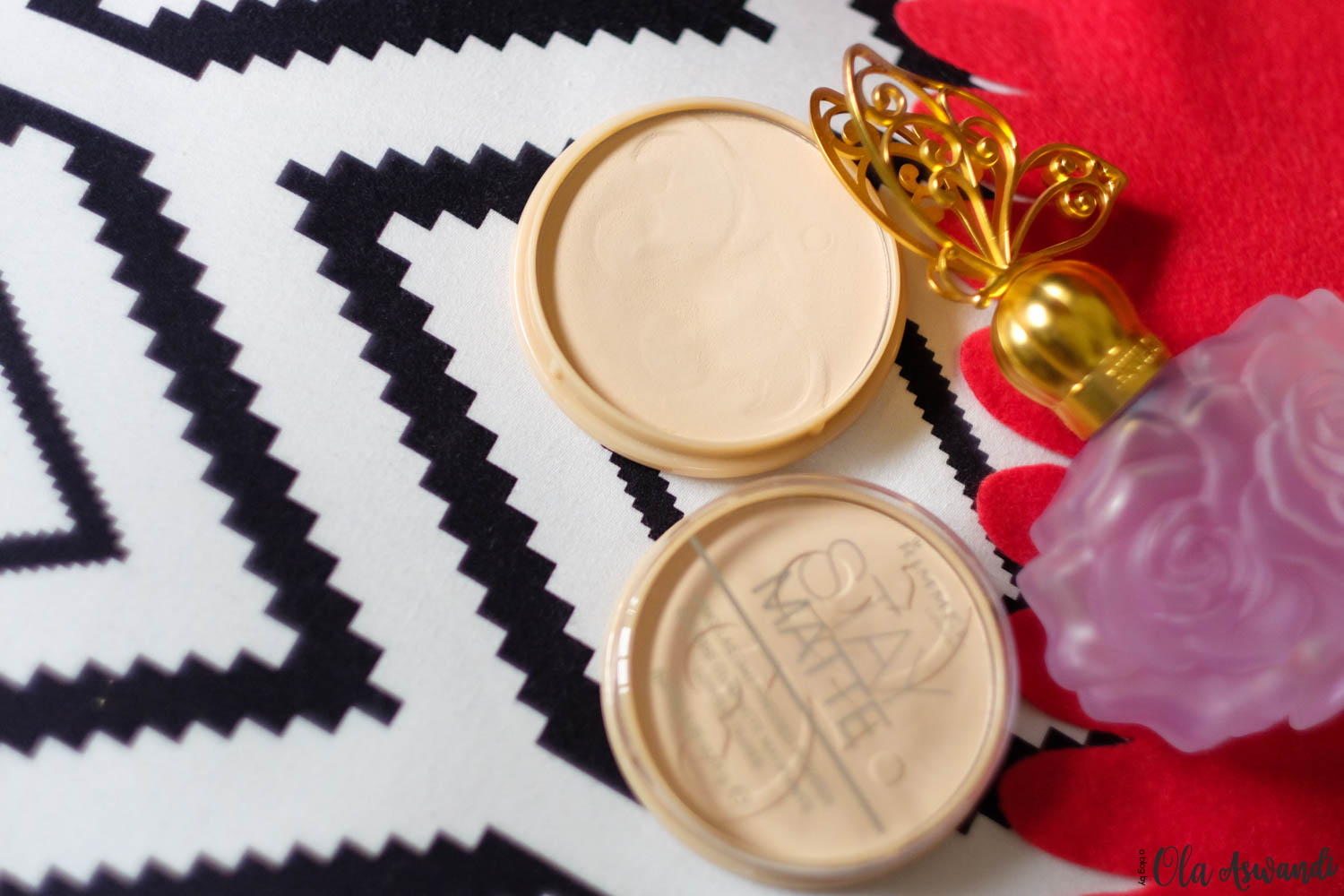 Rimmel-Lightroom-38 Review: Rimmel Stay Matte Pressed Powder