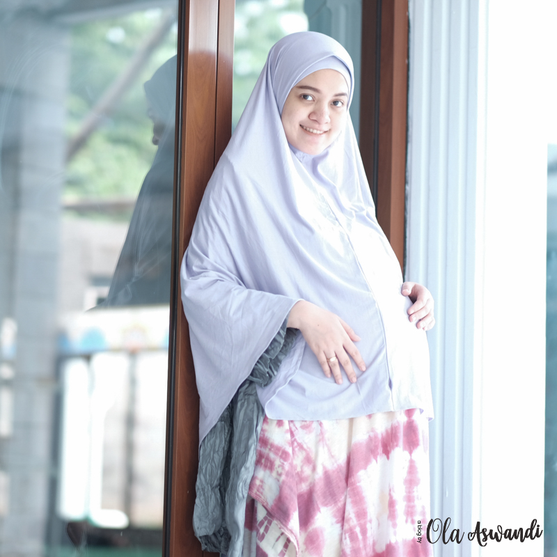inspirasi-gaya-hamil-10 9 Inspirasi #OOTD Bagi Ibu Hamil