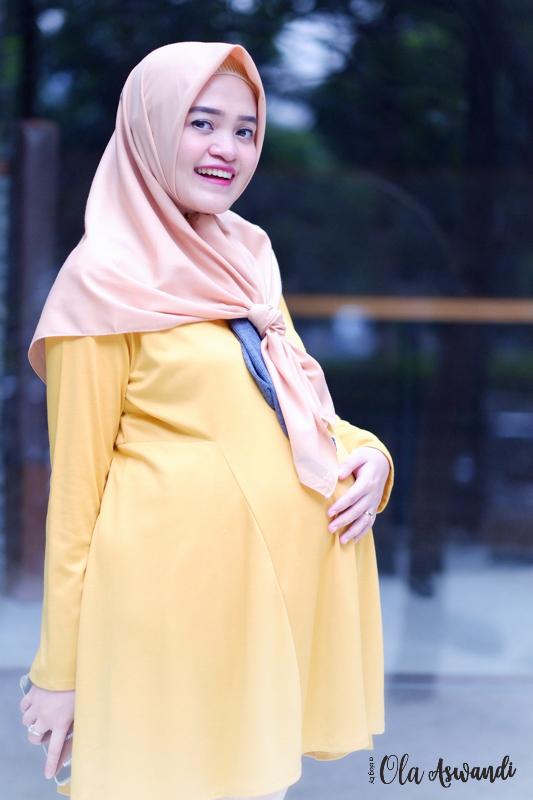 inspirasi-gaya-hamil-38 9 Inspirasi #OOTD Bagi Ibu Hamil